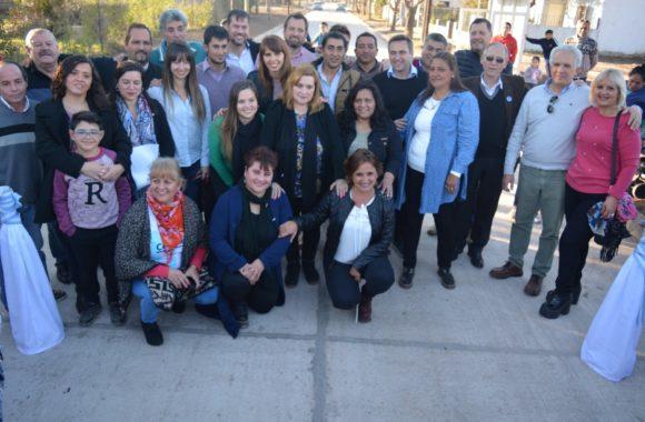 Inauguración de pavimento en Estación Juárez Celman - Myrian Prunotto - Ramón Mestre (1)