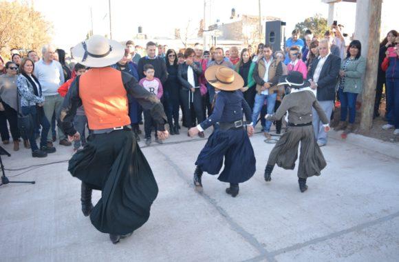 Inauguración de pavimento en Estación Juárez Celman - Myrian Prunotto - Ramón Mestre (4)