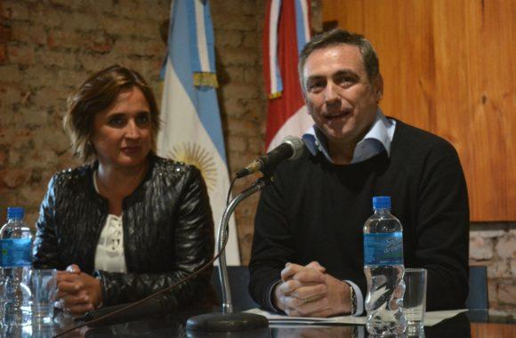 Myrian Prunotto y Ramón Mestre presentaron el programa Sí Sí Virtual en Estación Juárez Celman (5)