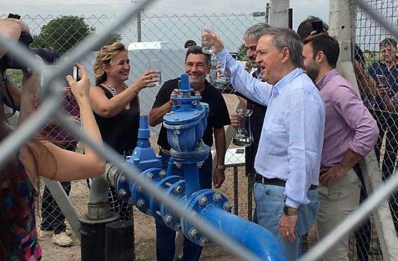 Junto al gobernador de Córdoba, Juan Schiaretti inauguramos una nueva obra de perforación. Estacion Juarez Celman Gestion Myrian Prunotto