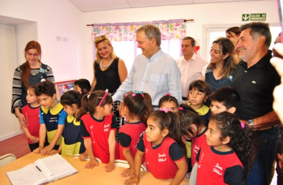 Myrian Prunotto y Juan Schiaretti inauguran nuevas salas de 3 años en Estación Juarez Celman
