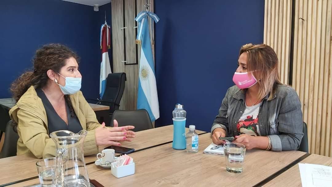 Ministra de la Mujer y la Intendenta Myrian Prunotto trazaron lines de acción para contener a la victima y su entorno.